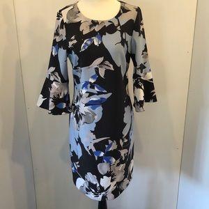 Cleo petites Sz 4 dress . Blue black white